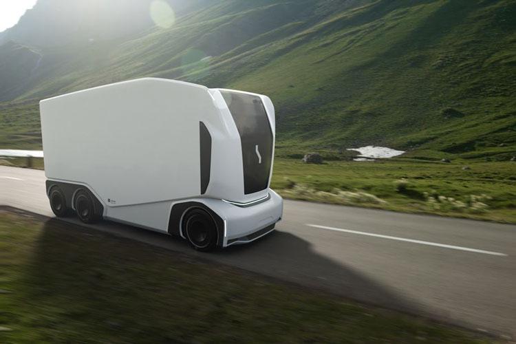 Бъдещето на тировете: Камион без шофьорска кабина (СНИМКИ)