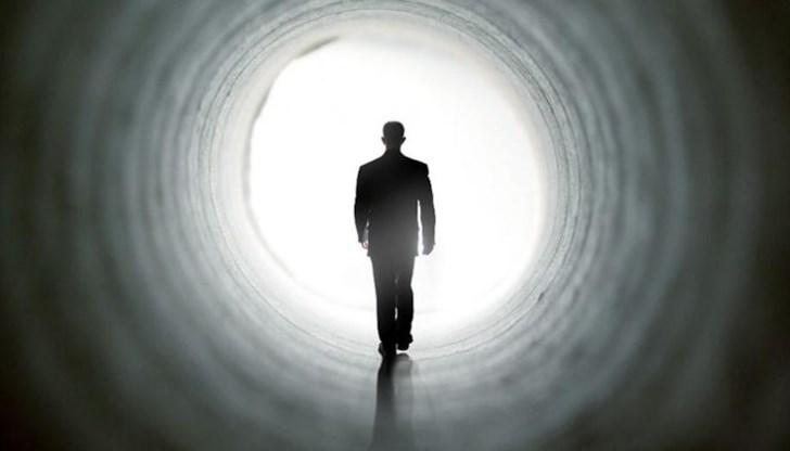 Женен зидар прокопа тунел, за да отиде при любовницата си