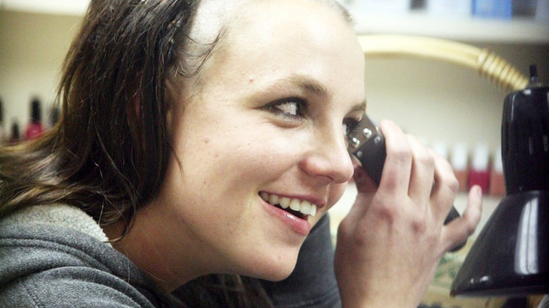 Сестрата на Бритни Спиърс към Илон Мъск: Ти уби котките ми