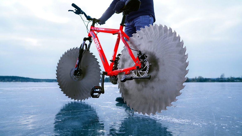 Колелото с циркулярни триони вместо гуми (ВИДЕО)
