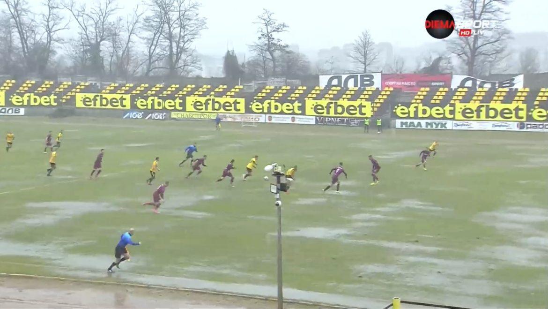 Уникален гол в мач от родната Втора лига (ВИДЕО)