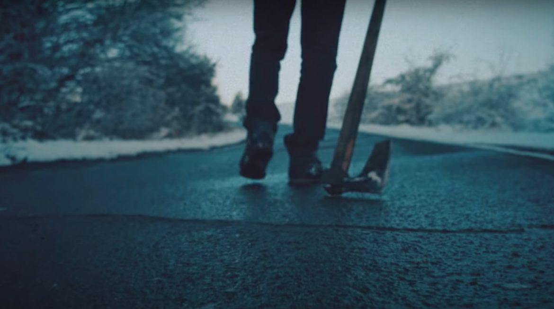 """ВИДЕО: Буч разбива политиците и корупцията с новия си сингъл """"Прасландия"""""""