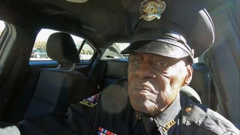Полицаят на 91 години, който няма намерение да се пенсионира (ВИДЕО)