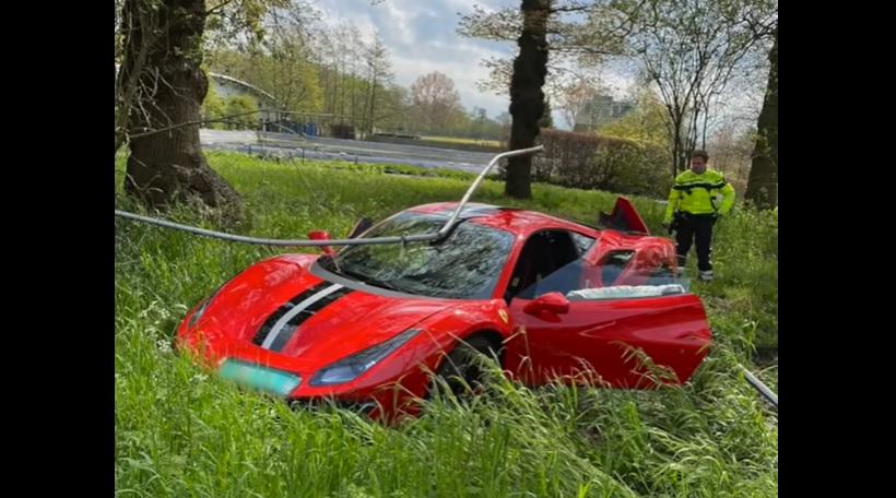 ВИДЕО: Гадничко! Пичага катастрофира с Ферари ден след покупката на колата