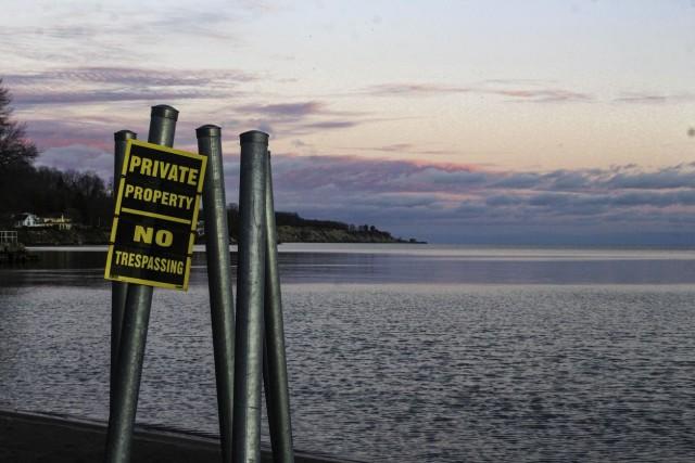 Продават село под вода в Канада, по-евтино е от панелка в София