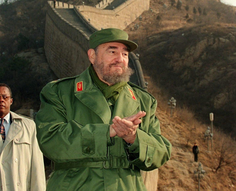 Фидел Кастро спал с над 35 000 жени. Евала!